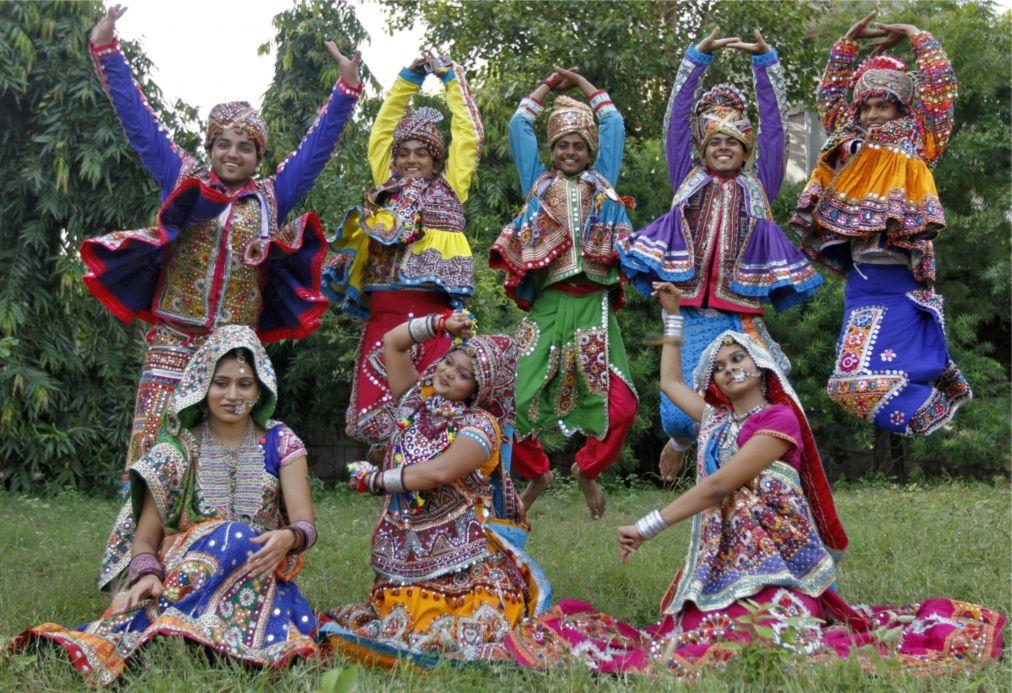 Праздник Наваратри в Мумбаи http://travelcalendar.ru/wp-content/uploads/2015/10/Prazdnik-Navratri-v-Mumbai_glav3.jpg
