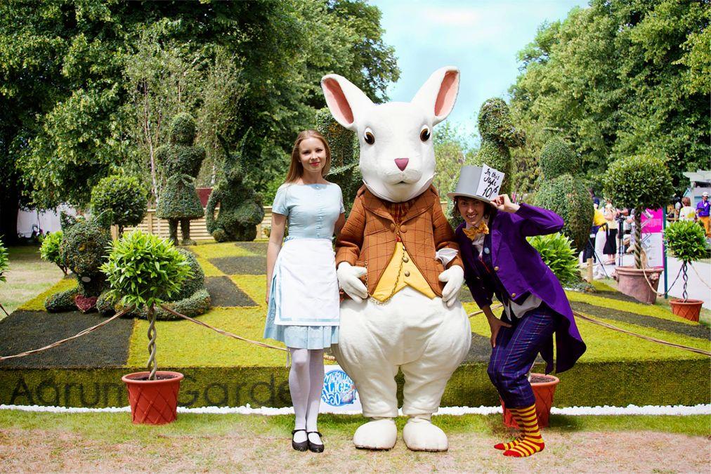 Празднование 150-летнего юбилея «Алисы в стране чудес» в Лондоне http://travelcalendar.ru/wp-content/uploads/2015/10/Prazdnovanie-150-letnego-yubileya-Alisy-v-strane-chudes-v-Anglii_glav10.jpg