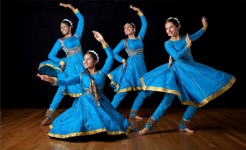 Танцевальный фестиваль в Каджурахо http://travelcalendar.ru/wp-content/uploads/2015/10/Tantsevalnyj-festival-v-Kadzhuraho_glav3.jpg