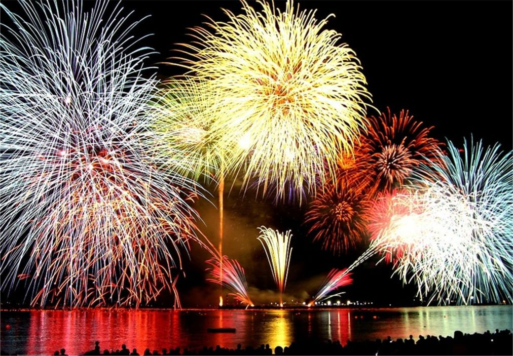 Вьетнамский Новый год Тет в Ханое http://travelcalendar.ru/wp-content/uploads/2015/10/Vetnamskij-Novyj-god-Tet-v-Hanoe_glav3.jpg