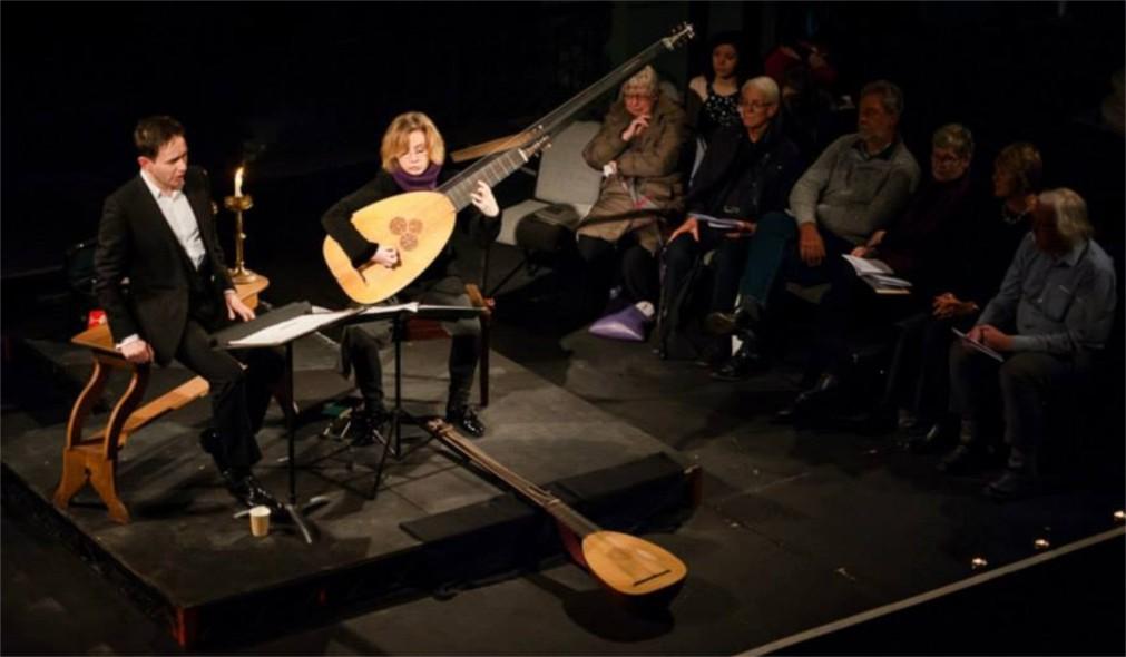 Музыкальный фестиваль «Спиталфилдс» в Лондоне http://travelcalendar.ru/wp-content/uploads/2015/10/Zimnij-muzykalnyj-festival-Spitalfilds-v-Londone_glav1.jpg