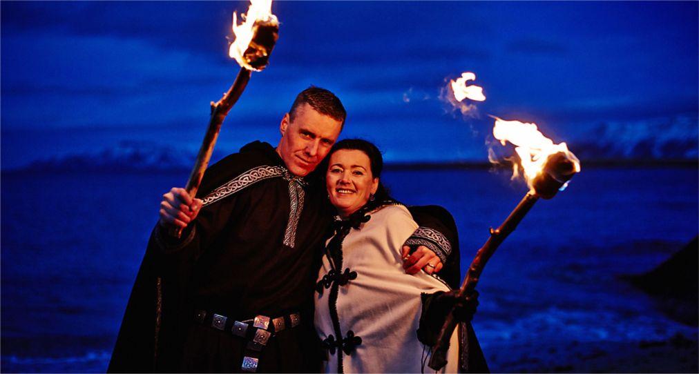 Зимний праздник Торраблоут в Рейкьявике http://travelcalendar.ru/wp-content/uploads/2015/10/Zimnij-prazdnik-Torrablout-v-Islandii_glav1.jpg