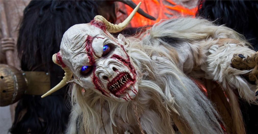 Альпийский карнавал Перчтен в Зальцбурге http://travelcalendar.ru/wp-content/uploads/2015/11/Alpijskij-karnaval-Perchten-v-Zaltsburge_glav3.jpg