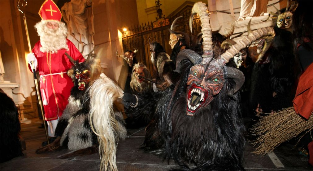 Альпийский карнавал Перчтен в Зальцбурге http://travelcalendar.ru/wp-content/uploads/2015/11/Alpijskij-karnaval-Perchten-v-Zaltsburge_glav4.jpg