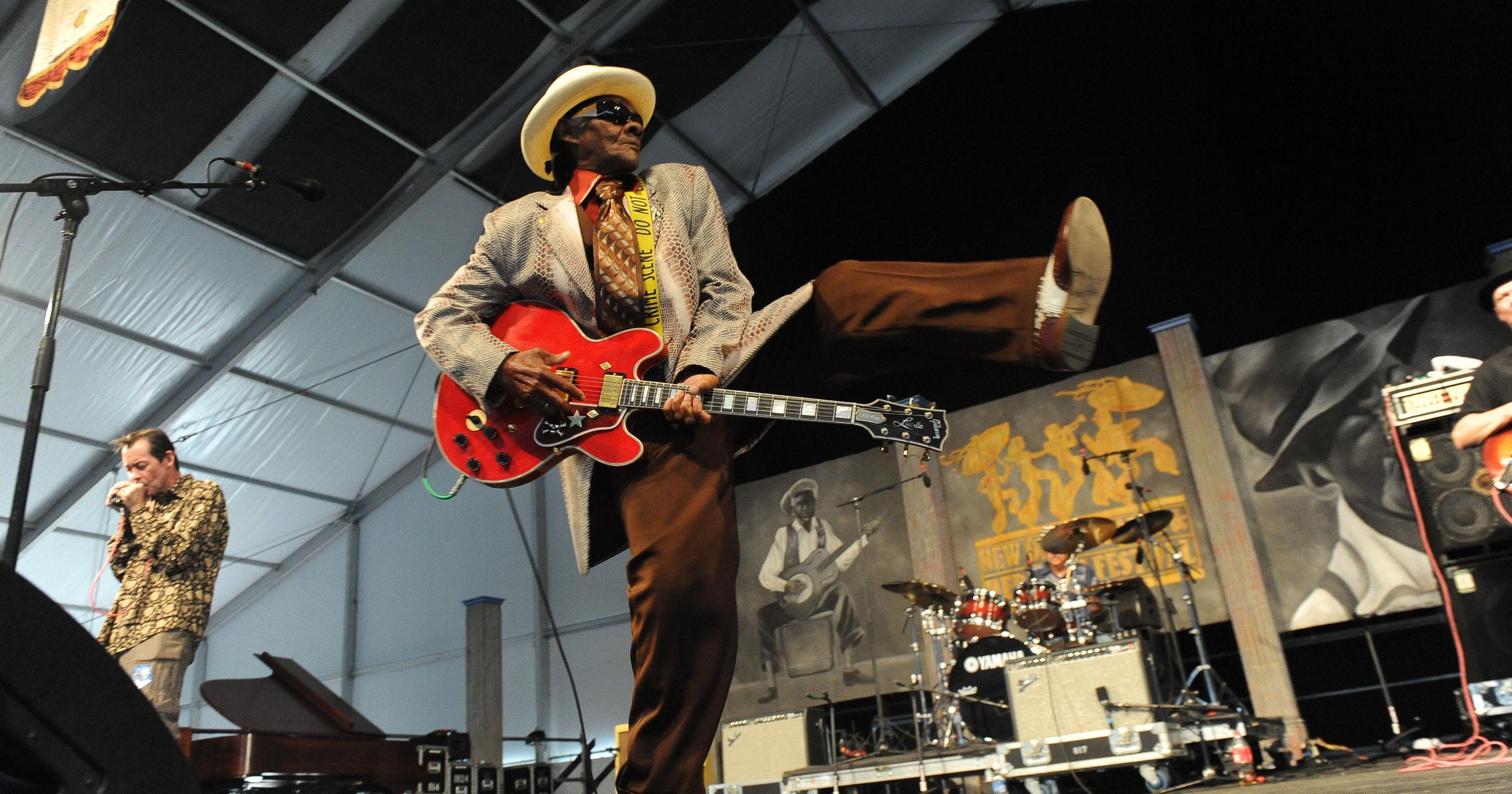Нью-Орлеанский джазовый фестиваль http://travelcalendar.ru/wp-content/uploads/2015/11/B9316949728Z.1_20150412155401_000_GIVAFR8KM.1-0.jpg