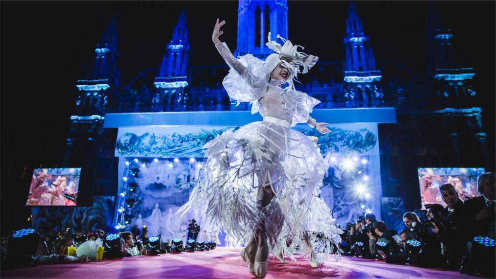 Благотворительный фестиваль «Бал жизни» в Вене http://travelcalendar.ru/wp-content/uploads/2015/11/Blagotvoritelnyj-festival-Bal-zhizni-v-Vene_glav7.jpg