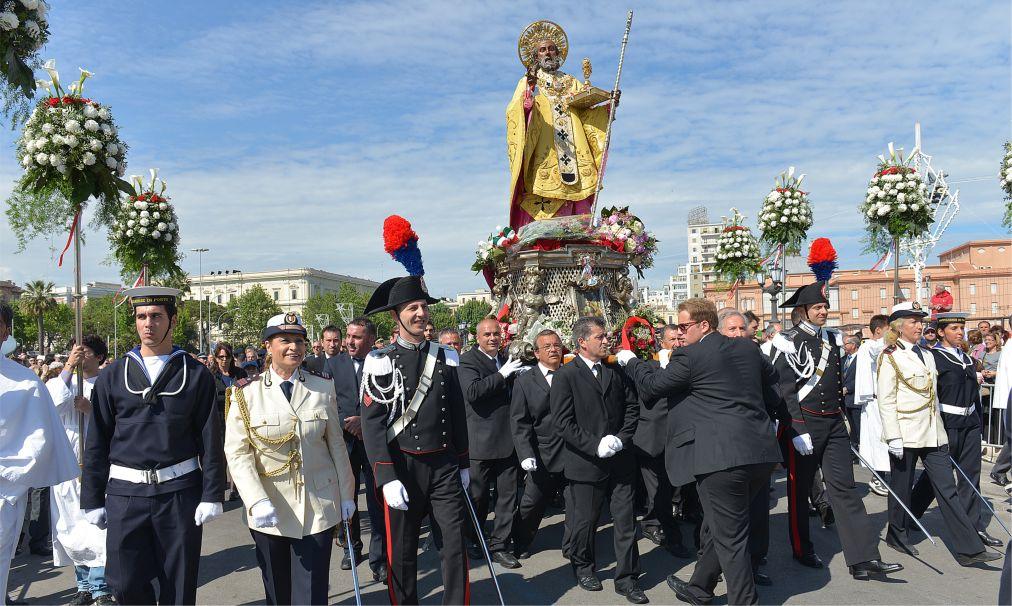 День Cвятого Николая в Бари http://travelcalendar.ru/wp-content/uploads/2015/11/Den-Cvyatogo-Nikolaya-v-Bari_glav1.jpg