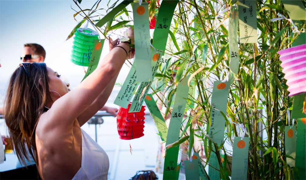 Фестиваль Танабата в Японии http://travelcalendar.ru/wp-content/uploads/2015/11/Festival-Tanabata-v-YAponii_glav1.jpg