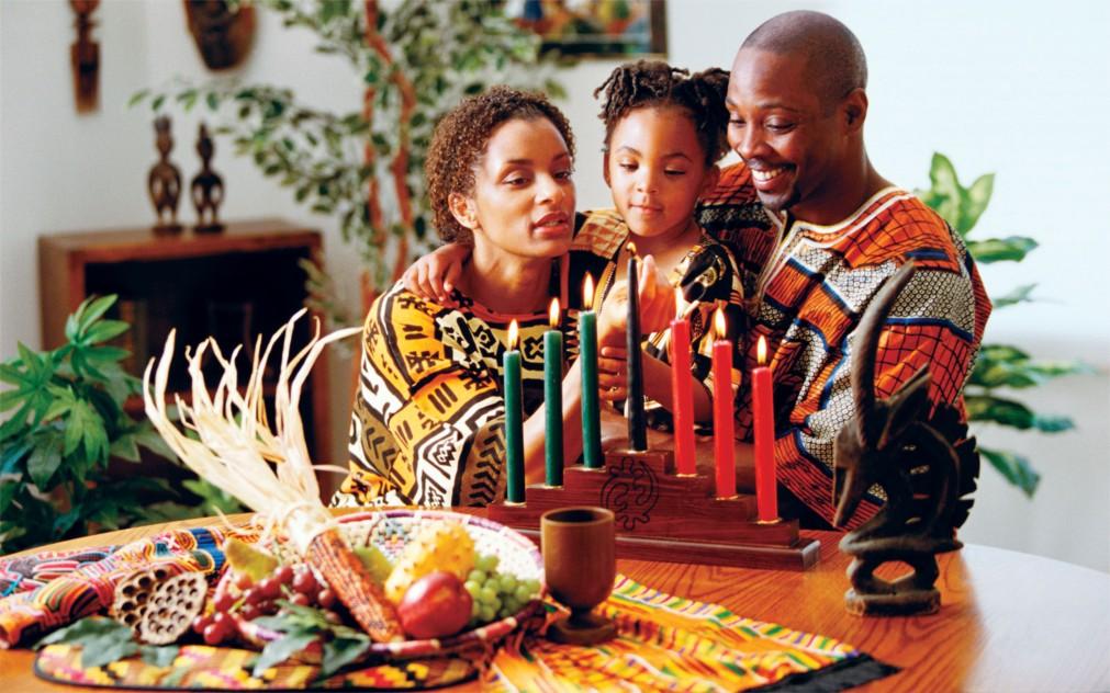 Фестиваль африканской культуры Кванза в США http://travelcalendar.ru/wp-content/uploads/2015/11/Festival-afrikanskoj-kultury-Kvanza-v-SSHA_glav3.jpg