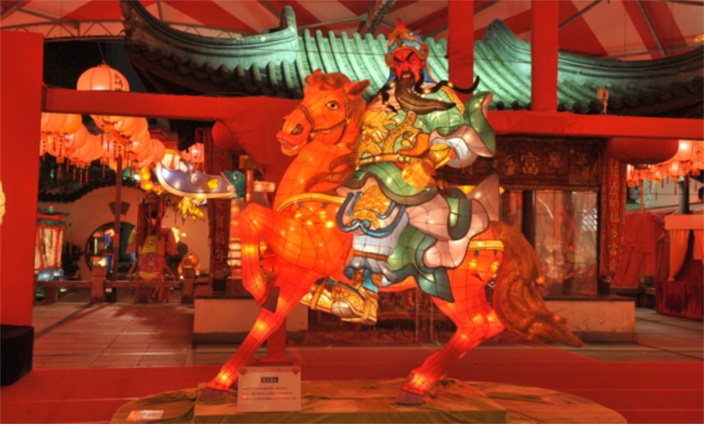 Фестиваль фонарей в Нагасаки http://travelcalendar.ru/wp-content/uploads/2015/11/Festival-fonarej-v-Nagasaki_glavn2.jpg