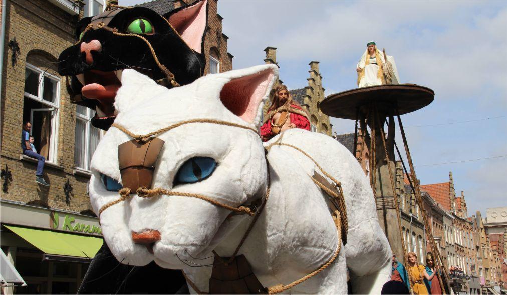 Фестиваль котов в Ипре http://travelcalendar.ru/wp-content/uploads/2015/11/Festival-kotov-v-Ipre_glav2.jpg