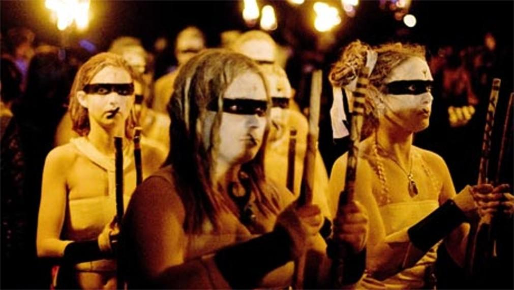 Фестиваль огня Белтейн в Эдинбурге http://travelcalendar.ru/wp-content/uploads/2015/11/Festival-ognya-Beltejn-v-Edinburge_glav3.jpg