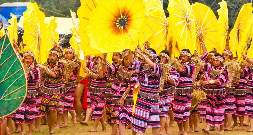 Фестиваль цветов «Панагбенга» в Багио http://travelcalendar.ru/wp-content/uploads/2015/11/Festival-tsvetov-Panagbenga-v-Bagio_glav1.jpg