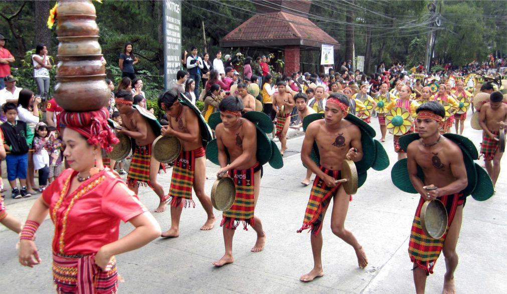 Фестиваль цветов «Панагбенга» в Багио http://travelcalendar.ru/wp-content/uploads/2015/11/Festival-tsvetov-Panagbenga-v-Bagio_glav2.jpg
