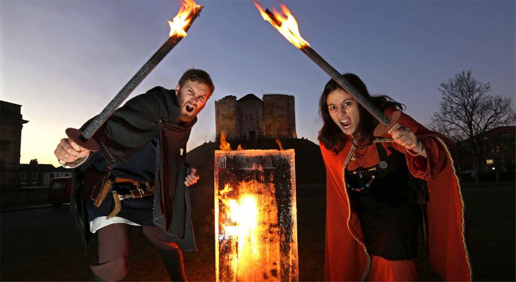 Фестиваль викингов в Йорке http://travelcalendar.ru/wp-content/uploads/2015/11/Festival-vikingov-v-Jorke_glav1.jpg