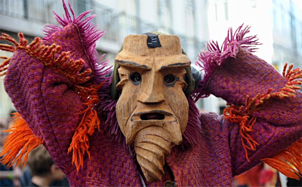 Международный фестиваль иберийских масок в Лиссабоне http://travelcalendar.ru/wp-content/uploads/2015/11/Mezhdunarodnyj-festival-iberijskih-masok-v-Lissabone_glavn1.jpg