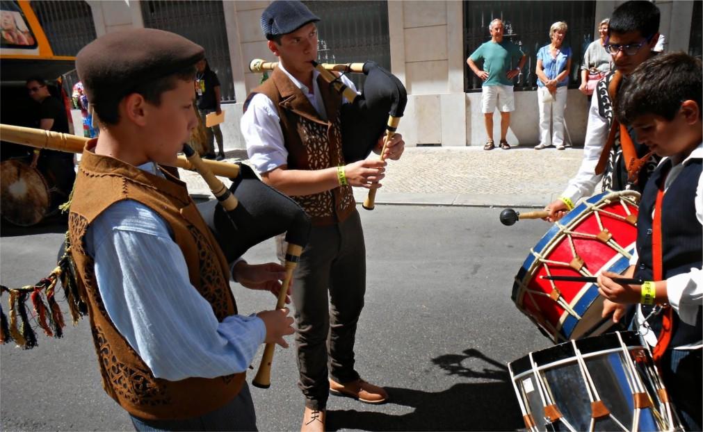 Международный фестиваль иберийских масок в Лиссабоне http://travelcalendar.ru/wp-content/uploads/2015/11/Mezhdunarodnyj-festival-iberijskih-masok-v-Lissabone_glavn2.jpg