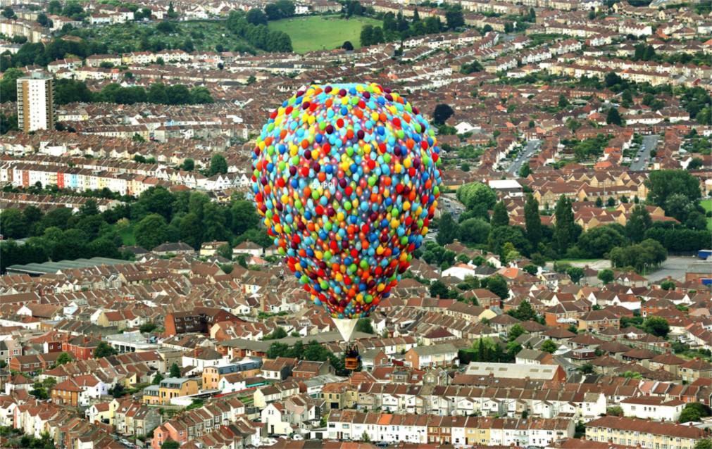 Международный фестиваль воздушных шаров в Бристоле http://travelcalendar.ru/wp-content/uploads/2015/11/Mezhdunarodnyj-festival-vozdushnyh-sharov-v-Bristole_glav1.jpg