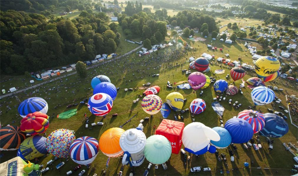 Международный фестиваль воздушных шаров в Бристоле http://travelcalendar.ru/wp-content/uploads/2015/11/Mezhdunarodnyj-festival-vozdushnyh-sharov-v-Bristole_glav2.jpg
