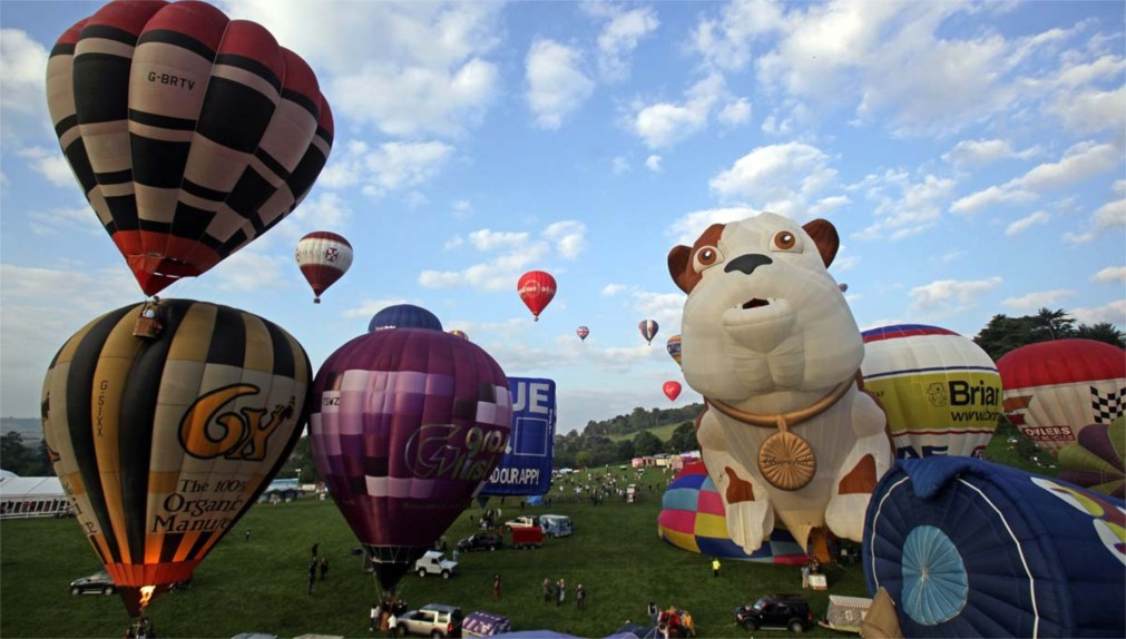 Международный фестиваль воздушных шаров в Бристоле http://travelcalendar.ru/wp-content/uploads/2015/11/Mezhdunarodnyj-festival-vozdushnyh-sharov-v-Bristole_glav3.jpg