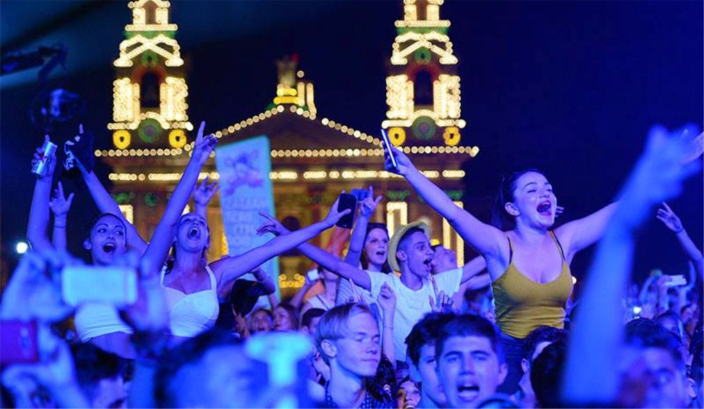 Музыкальный фестиваль Isle of MTV в Флориане http://travelcalendar.ru/wp-content/uploads/2015/11/Muzykalnyj-festival-Isle-of-MTV-v-Floriane_glav1.jpg