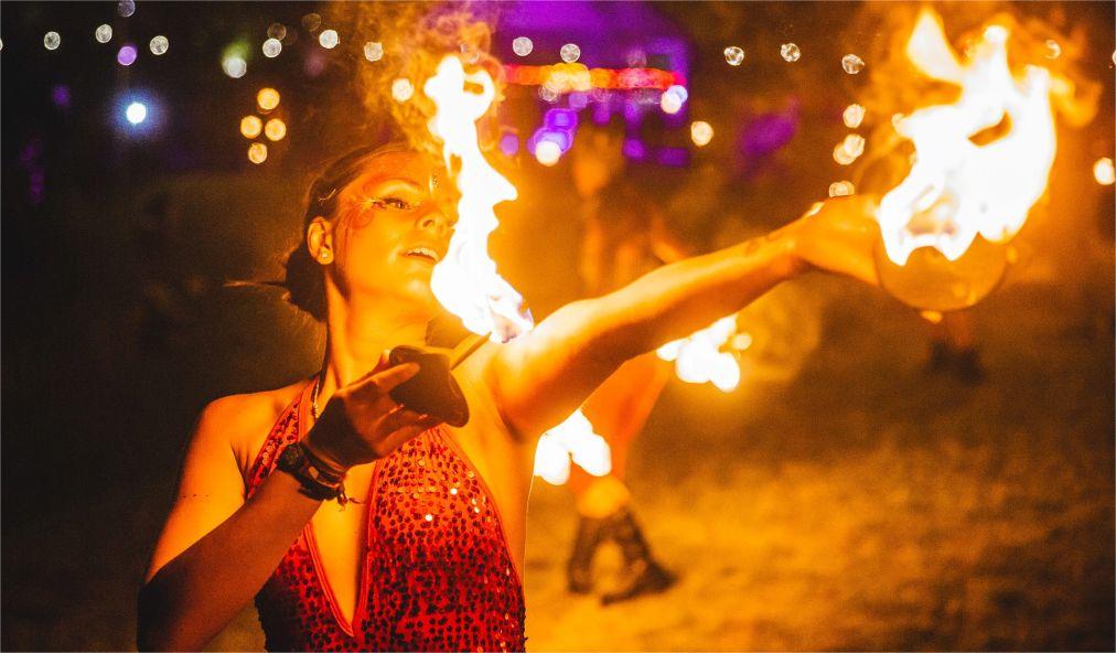 Музыкальный фестиваль Secret Garden Party в Хантингтоне http://travelcalendar.ru/wp-content/uploads/2015/11/Muzykalnyj-festival-Secret-Garden-Party-v-Hantingtone_glav2.jpg