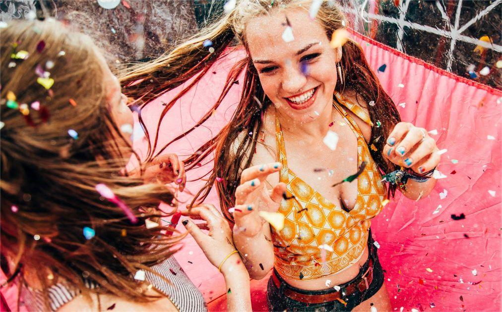 Музыкальный фестиваль Secret Garden Party в Хантингтоне http://travelcalendar.ru/wp-content/uploads/2015/11/Muzykalnyj-festival-Secret-Garden-Party-v-Hantingtone_glav3.jpg