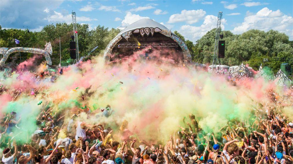 Музыкальный фестиваль Secret Garden Party в Хантингтоне http://travelcalendar.ru/wp-content/uploads/2015/11/Muzykalnyj-festival-Secret-Garden-Party-v-Hantingtone_glav9.jpg