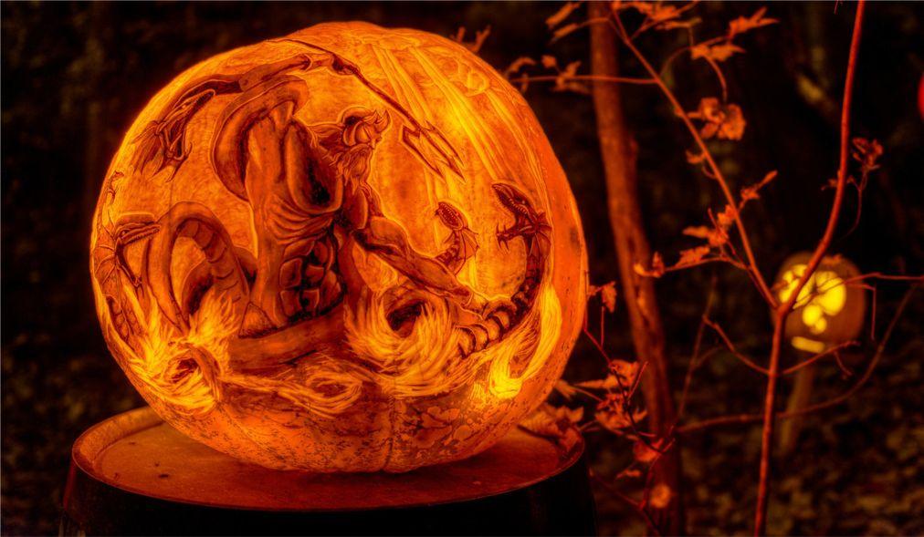 Выставка тыкв-фонарей в Луисвилле http://travelcalendar.ru/wp-content/uploads/2015/11/Vystavka-tykv-fonarej-v-Providense_glav8.jpg