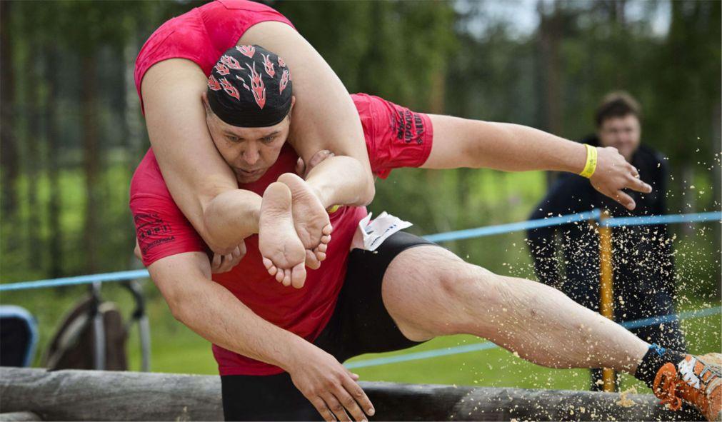 Чемпионат мира по перетаскиванию жен в Сонкаярви http://travelcalendar.ru/wp-content/uploads/2015/12/CHempionat-mira-po-peretaskivaniyu-zhen-v-Sonkayarvi_glav3.jpg