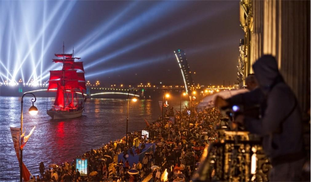 Фестиваль «Алые паруса» в Санкт-Петербурге http://travelcalendar.ru/wp-content/uploads/2015/12/Festival-Alye-parusa-v-Sankt-Piterburge_glavn1.jpg