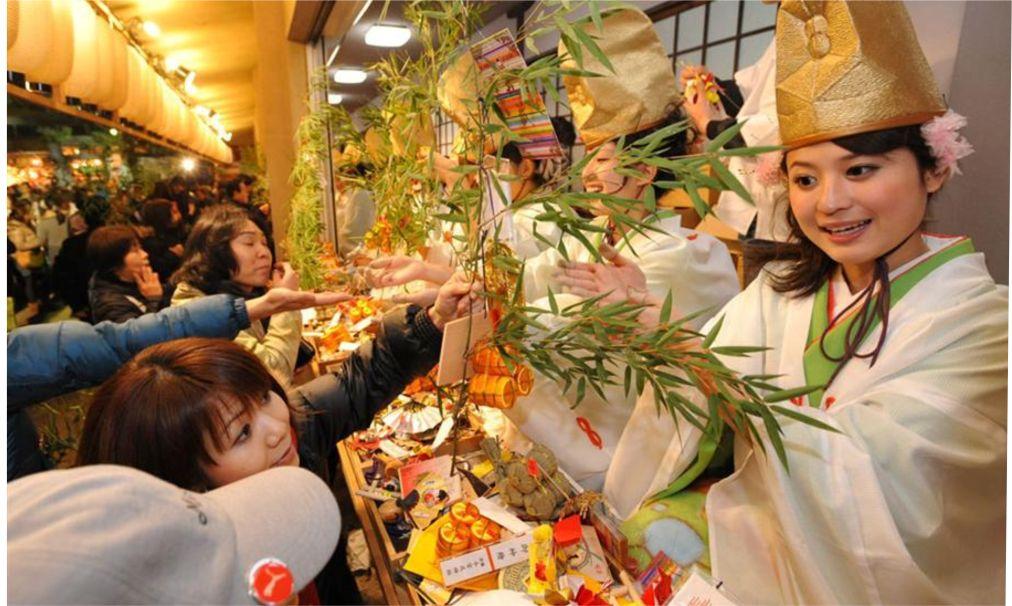 Фестиваль Тока Эбису в Осаке http://travelcalendar.ru/wp-content/uploads/2015/12/Festival-Toka-Ebisu-v-Osake_glav1.jpg