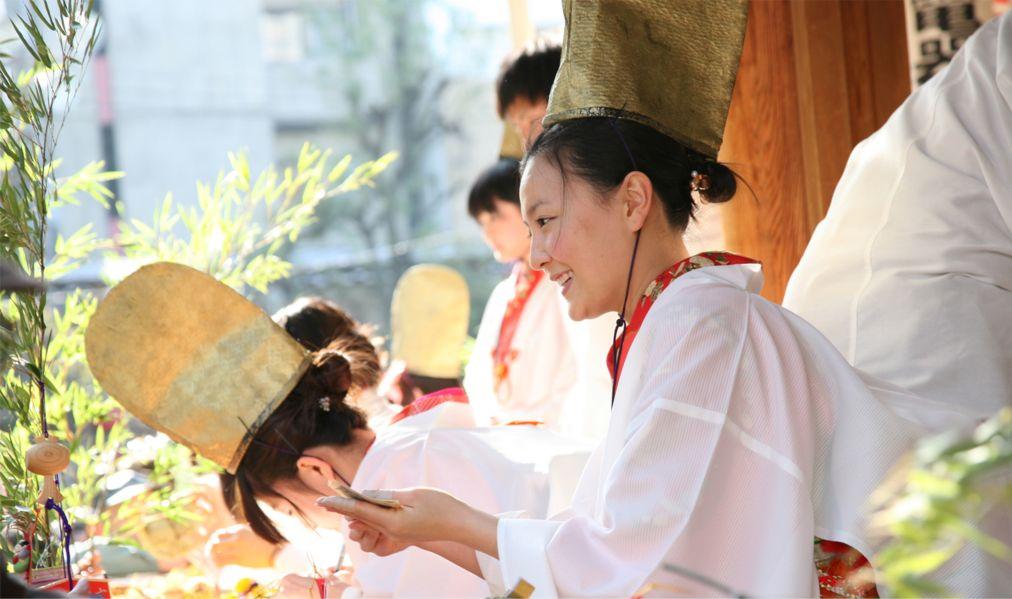 Фестиваль Тока Эбису в Осаке http://travelcalendar.ru/wp-content/uploads/2015/12/Festival-Toka-Ebisu-v-Osake_glav4.jpg