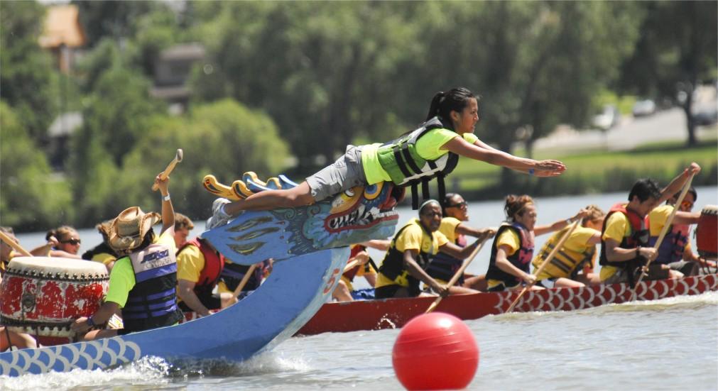 Фестиваль драконьих лодок в Китае http://travelcalendar.ru/wp-content/uploads/2015/12/Festival-drakonih-lodok-v-Kitae_glav5.jpg
