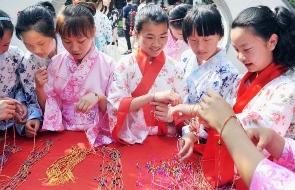 Фестиваль драконьих лодок в Китае http://travelcalendar.ru/wp-content/uploads/2015/12/Festival-drakonih-lodok-v-Kitae_glav8.jpg