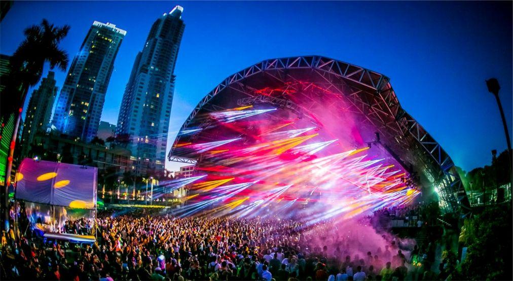 Фестиваль электронной музыки «Ультра» в Майами http://travelcalendar.ru/wp-content/uploads/2015/12/Festival-elektronnoj-muzyki-Ultra-v-Majami_glav2.jpg