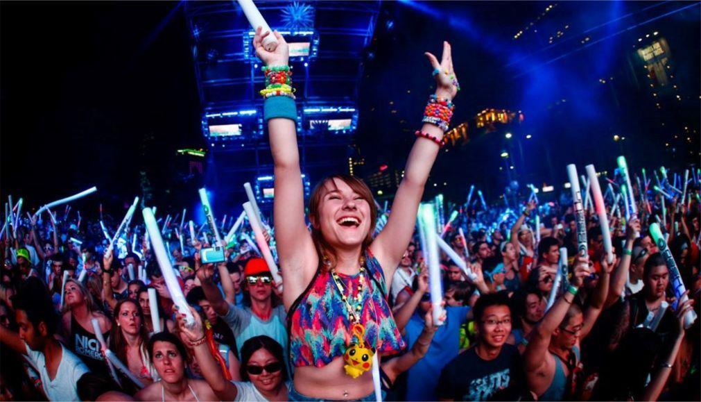 Фестиваль электронной музыки «Ультра» в Майами http://travelcalendar.ru/wp-content/uploads/2015/12/Festival-elektronnoj-muzyki-Ultra-v-Majami_glav6.jpg