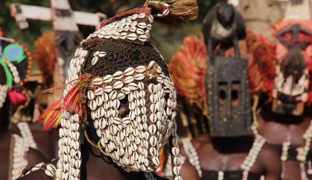 Фестиваль масок догонов в Тирели http://travelcalendar.ru/wp-content/uploads/2015/12/Festival-masok-dogonov-v-Tireli_glav3.jpg