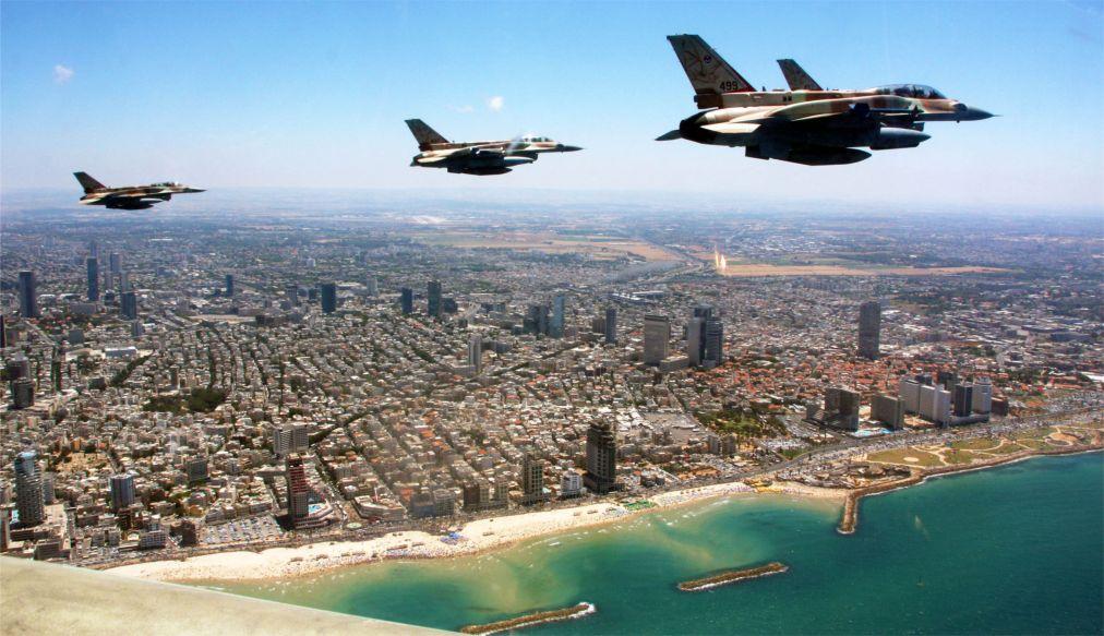 Йом Ха-Ацмаут – День независимости Израиля http://travelcalendar.ru/wp-content/uploads/2015/12/Jom-Ha-Atsmaut-Den-nezavisimosti-Izrailya_glav3.jpg