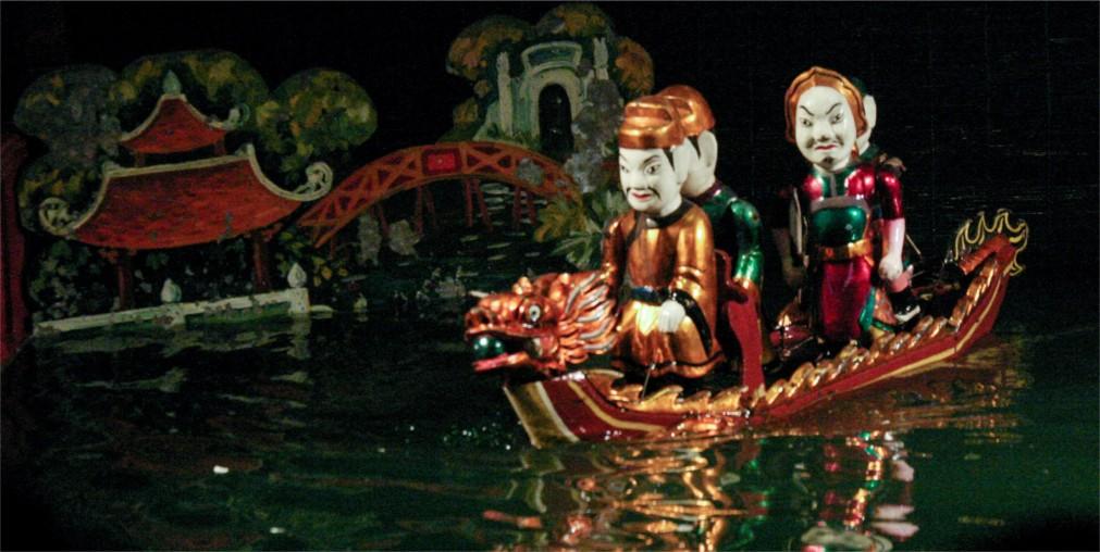 КУКОЛЬНЫЙ ТЕАТР НА ВОДЕ В ХАНОЕ http://travelcalendar.ru/wp-content/uploads/2015/12/KUKOLNYJ-TEATR-NA-VODE-V-HANOE_glav3.jpg
