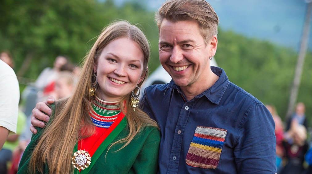 Международный этно-фестиваль «Ридду Ридду» в Манндалене http://travelcalendar.ru/wp-content/uploads/2015/12/Mezhdunarodnyj-festival-korennyh-narodov-Riddu-Riddu-v-Manndalene_glav4.jpg