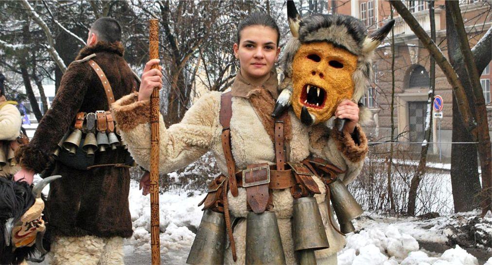Международный фестиваль маскарадных игр «Сурва» в Пернике http://travelcalendar.ru/wp-content/uploads/2015/12/Mezhdunarodnyj-festival-maskaradnyh-igr-Surva-v-Pernike_glav2.jpg