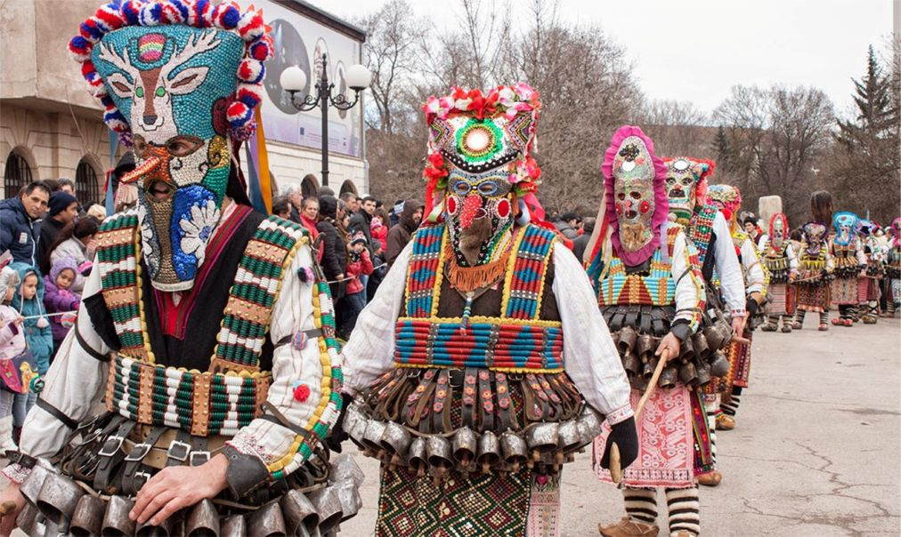 Международный фестиваль маскарадных игр «Сурва» в Пернике http://travelcalendar.ru/wp-content/uploads/2015/12/Mezhdunarodnyj-festival-maskaradnyh-igr-Surva-v-Pernike_glav5.jpg
