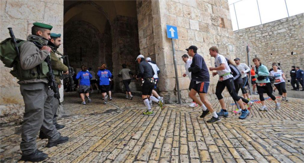 Международный марафон в Иерусалиме http://travelcalendar.ru/wp-content/uploads/2015/12/Mezhdunarodnyj-marafon-v-Ierusalime_glav2.jpg