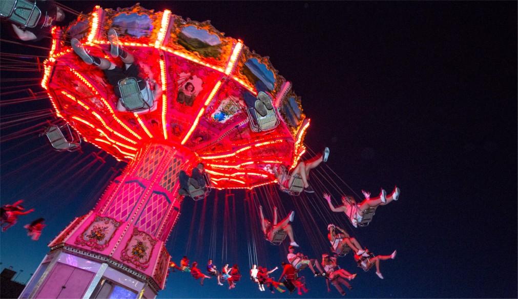 Музыкальный фестиваль «Electric Daisy Carnival» в Лас-Вегасе http://travelcalendar.ru/wp-content/uploads/2015/12/Muzykalnyj-festival-Electric-Daisy-Carnival-v-Las-Vegase_glavn1.jpg
