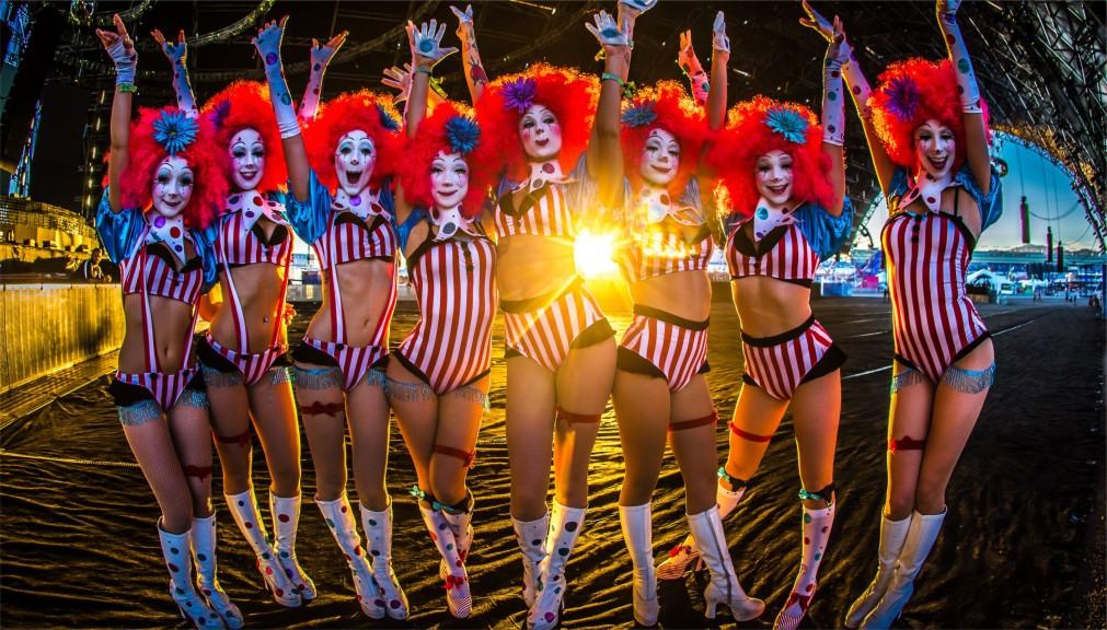 Музыкальный фестиваль «Electric Daisy Carnival» в Лас-Вегасе http://travelcalendar.ru/wp-content/uploads/2015/12/Muzykalnyj-festival-Electric-Daisy-Carnival-v-Las-Vegase_glavn3.jpg