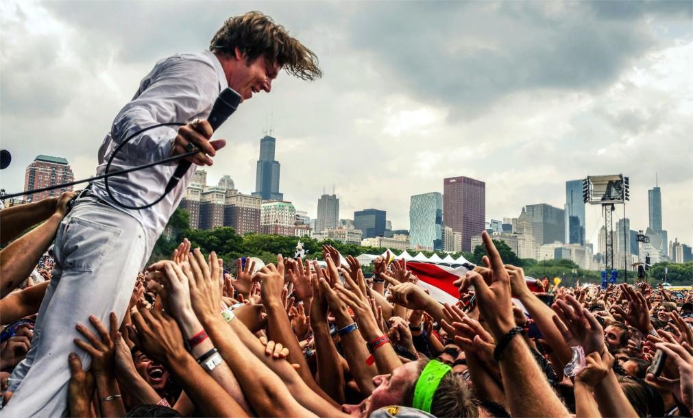 Музыкальный фестиваль «Лоллапалуза» в Чикаго http://travelcalendar.ru/wp-content/uploads/2015/12/Muzykalnyj-festival-Lollapaluza-v-CHikago_glav1.jpg
