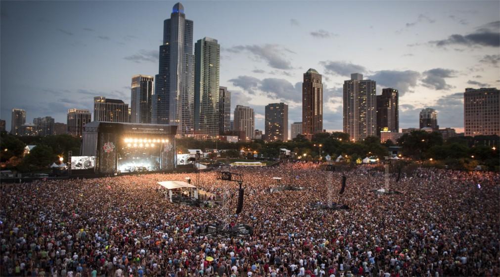 Музыкальный фестиваль «Лоллапалуза» в Чикаго http://travelcalendar.ru/wp-content/uploads/2015/12/Muzykalnyj-festival-Lollapaluza-v-CHikago_glav2.jpg
