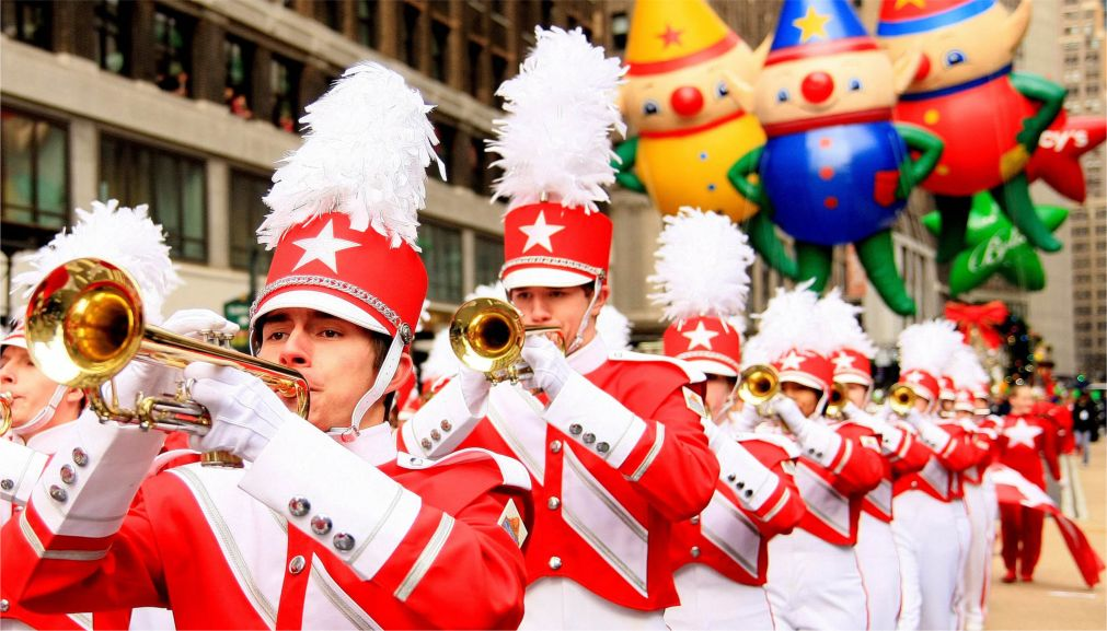 Парад «Мэйси» на День благодарения в Нью-Йорке http://travelcalendar.ru/wp-content/uploads/2015/12/Parad-Mejsi-na-Den-blagodareniya-v-Nyu-Jorke_glav2.jpg