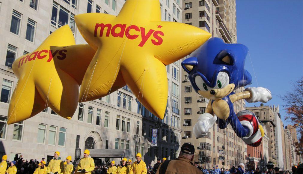 Парад «Мэйси» на День благодарения в Нью-Йорке http://travelcalendar.ru/wp-content/uploads/2015/12/Parad-Mejsi-na-Den-blagodareniya-v-Nyu-Jorke_glav7.jpg